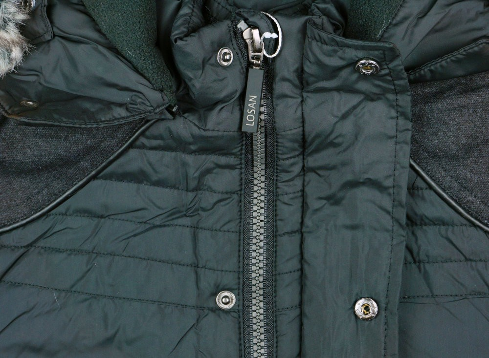 a186c7d1d4 Losan fiú kapucnis kabát .