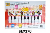 Zongora szőnyeg, el., hangosít, halkít, felvesz, visszajátszik, demo hang, 6 féle hangszer, (szőnyeg: 120x46 cm), 48x33 cm dob. (3xAA)